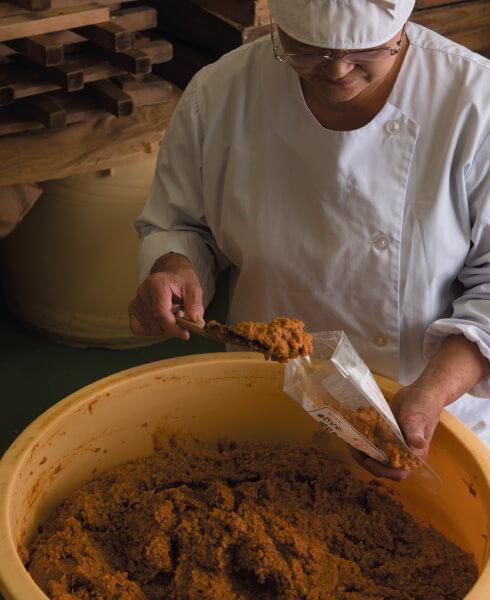地元の大豆とお米で作る
